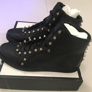 new gucci sneakers  black studded  AUTHENTIC